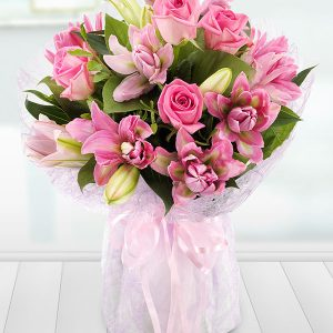 lavish-rose-and-lily